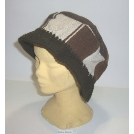 Chapeaux en tissage péruvien et crochet de laine