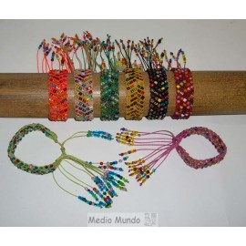 BT MACH 2 Bracelet macramé et perles