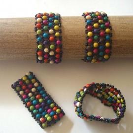 B185 Bracelet en graines achira teintées