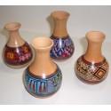 Vase péruvien peint en céramique