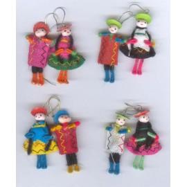 Boucles péruviennes en poupées de tissu