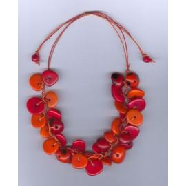 Colliers péruviens colorés en pointes de tagua