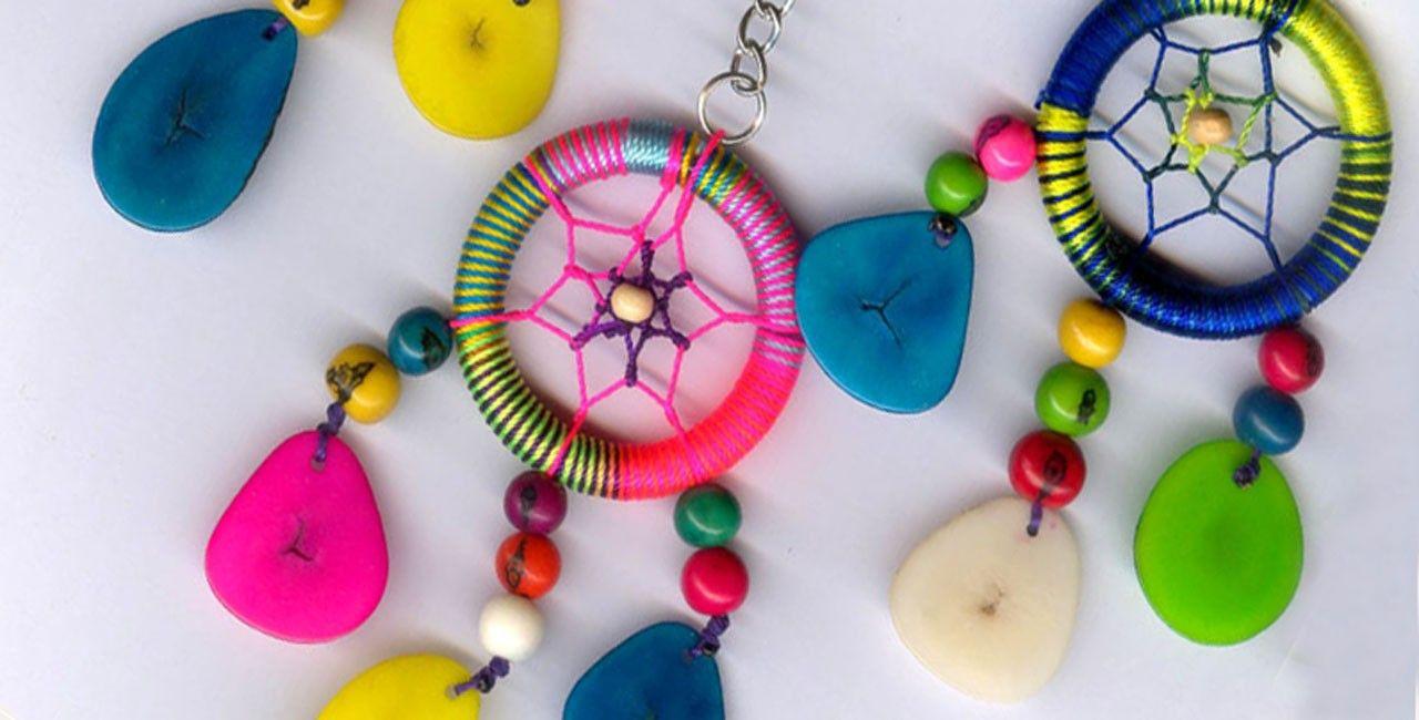 467b910ad396 Boutique de bijoux et d accessoires en laine importés directement du ...